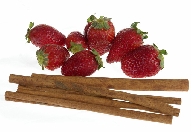 strawberry-cinnamon-1325378-639x440